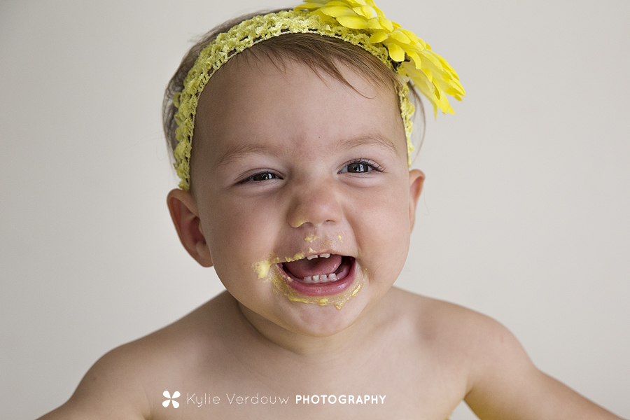 Baby cakeface