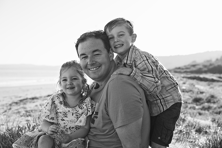 Family beach session dad and his kids Longbeach